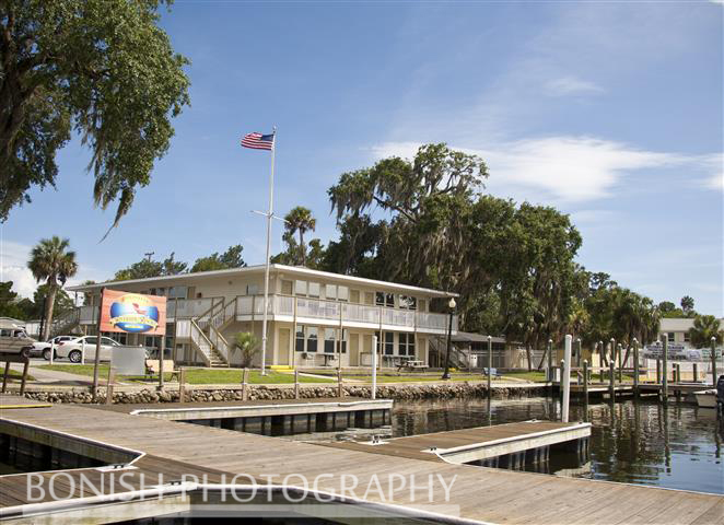 Homosassa_River_Resort