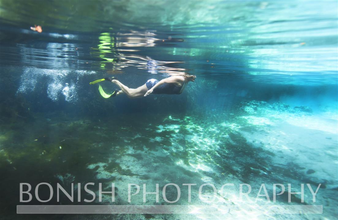 Swimming_Underwater