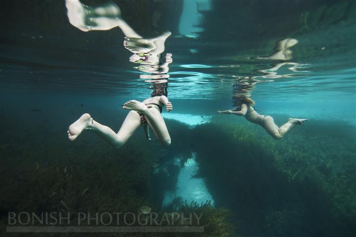 Girls_Snorkeling