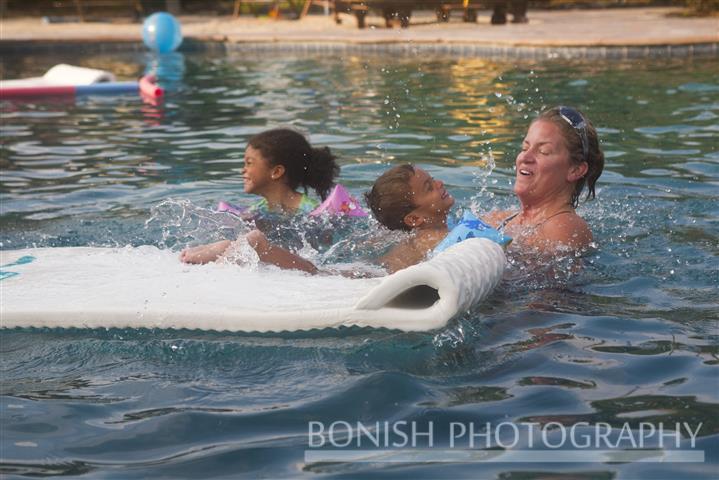 Splashing_With_Oma