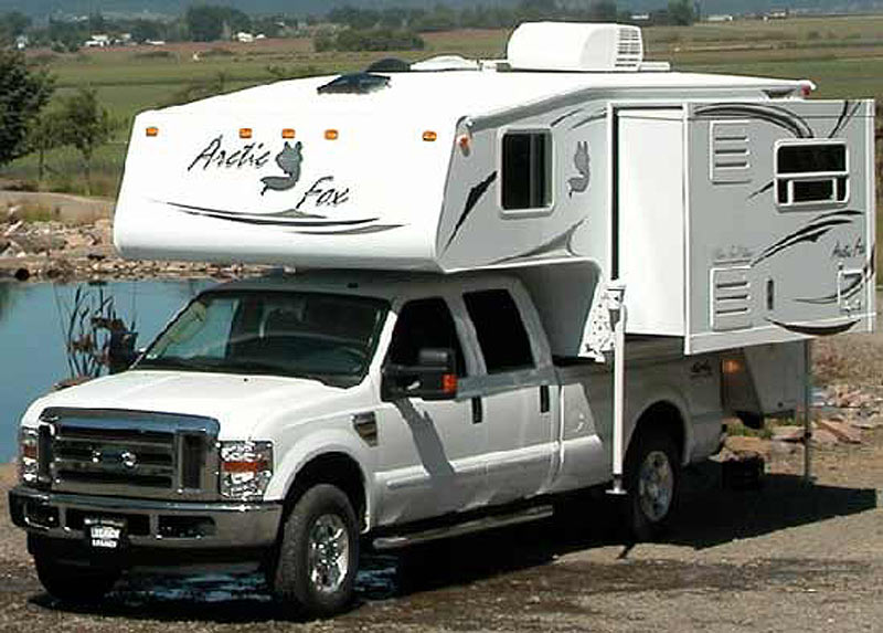 northwood-arctic-fox-truck-camper