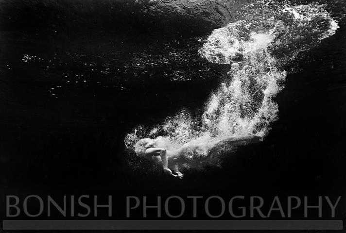 Bonish Photo, Underwater Photography, Kailey Hegle, Black and White