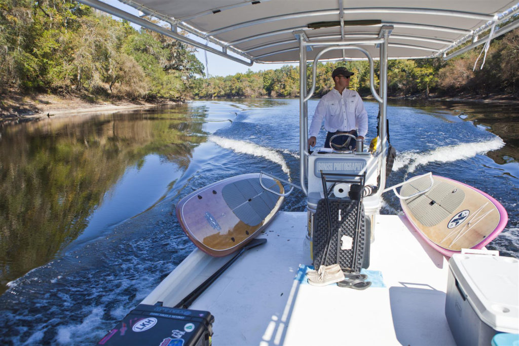 Boating, Suwannee River, Bonish Photo, Heath Davis
